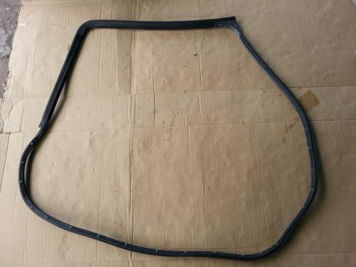 ยางกันกระแทกกันน้ำ สันประตูหลังขวา แลนด์โรเวอร์ ฟรีแลนเดอร์ 2001-2006